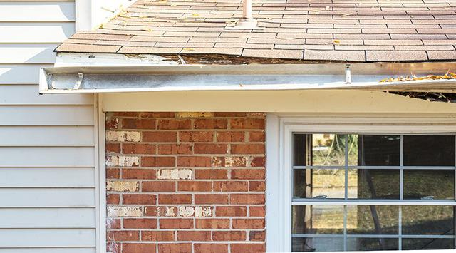 4 Signs that Your Gutters Need Replacing