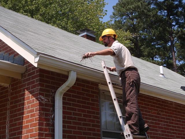 Cleaning Your Gutters From a Ladder Safely