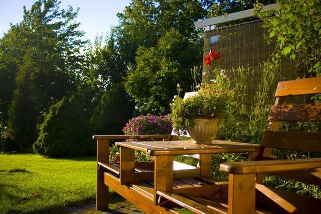 Outdoor Decorating Ideas: Garden Ornaments