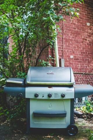 Cleaning Your BBQ Grill - Image 2
