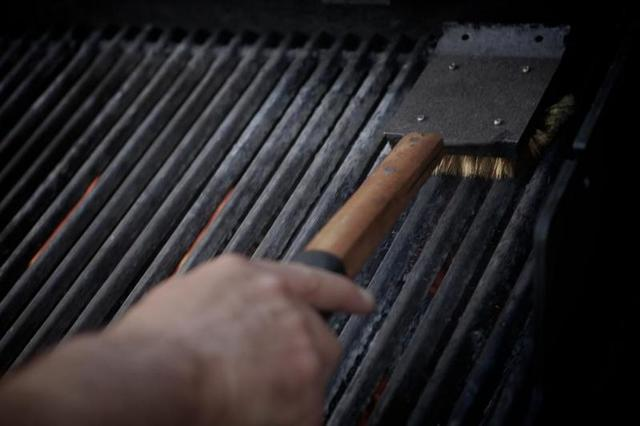Cleaning Your BBQ Grill - Image 1
