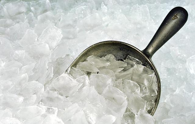 A few tips and tricks to keep your ice maker in perfect condition....