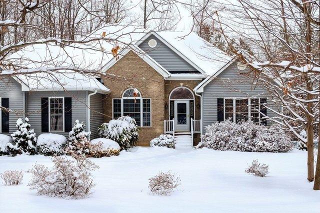 Top 4 Reasons You Should Waterproof Your Below-Grade Space During Winter