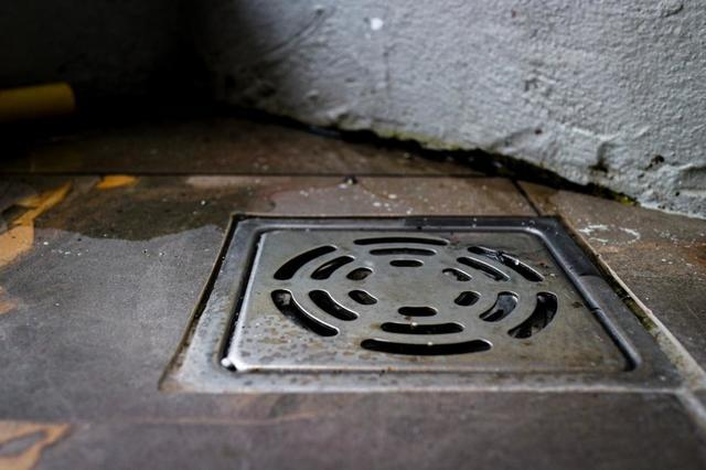Winter Maintenance Tips for Outdoor Drains - Image 1