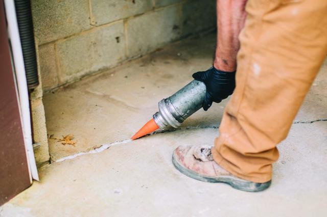 basement crack in concrete