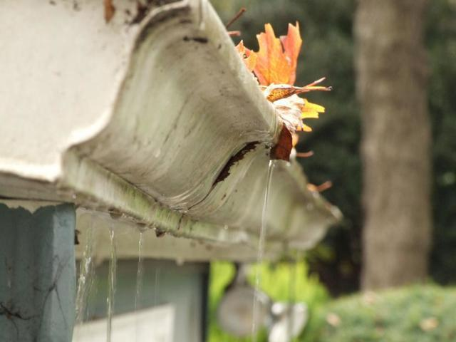 Signs of Faulty Gutters in Michigan - And When to Replace Them