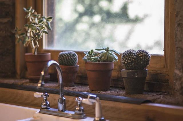 3 Things to Do When Your Sink is Leaking