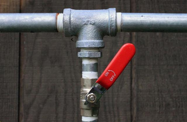 3 Tips to Keep Your Pipes from Freezing
