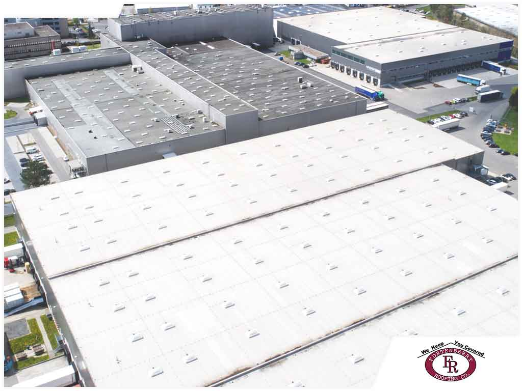 Roof Coatings: 4 Qualities Your Commercial Roof Should Have