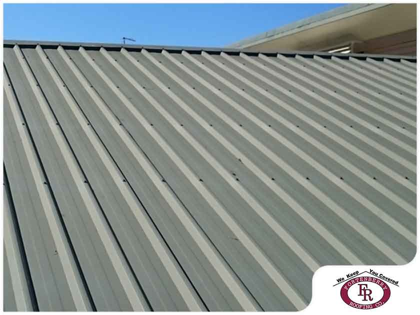 A Quick Comparison Between Metal and Asphalt Roofing