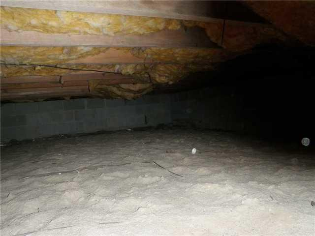 SmartJack Installed in Brick to Stabilize Crawl Space