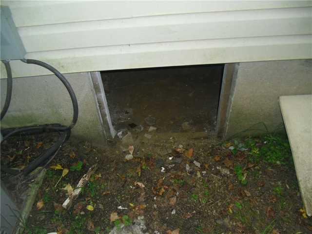 Medford crawl space protected by CleanSpace barrier and Everlast door