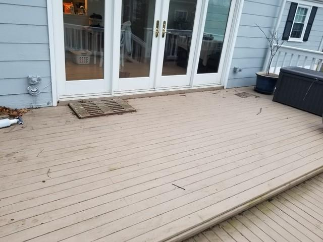 Deck Staining in Stamford, CT