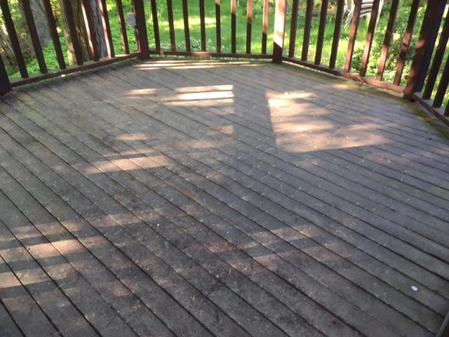 Deck Staining in Cos Cob