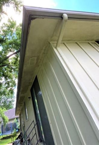 LP Smart Side Soffit and Fascia installed on house in Raytown, MO
