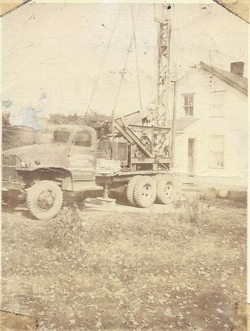 old well drilling truck