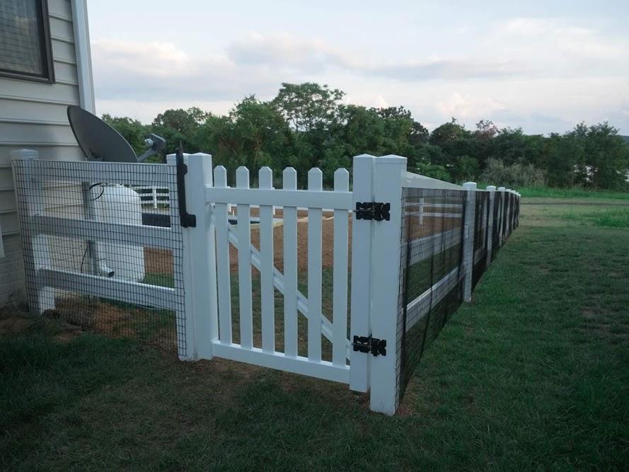 Vinyl Paddock Fence, Round Hill, VA