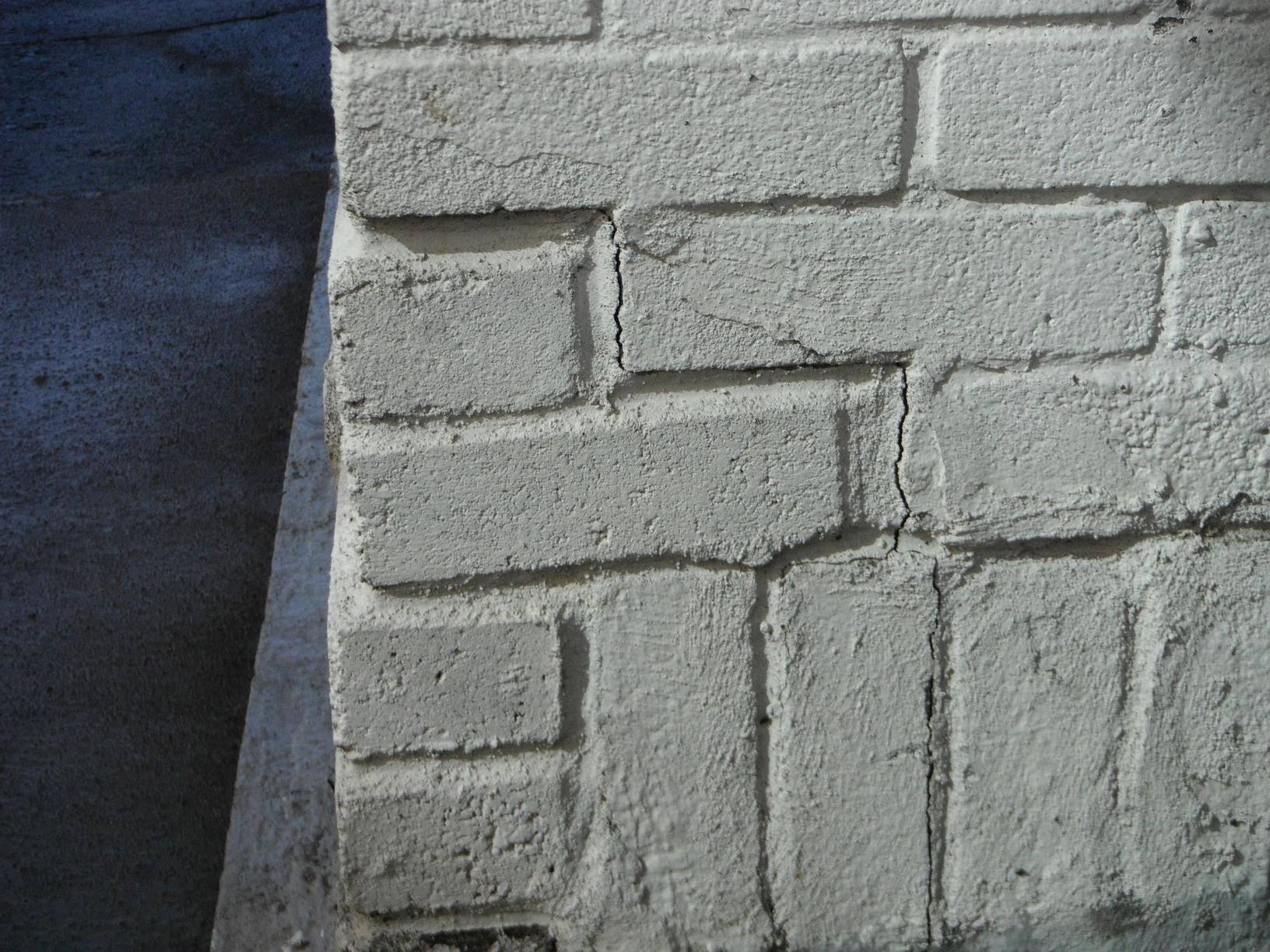 Closed up chimney cracks