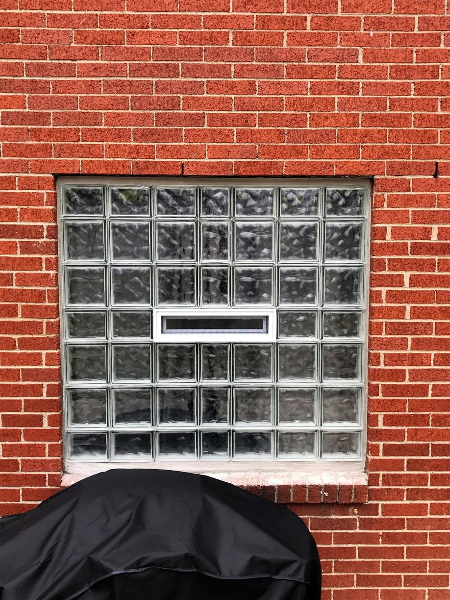 Wave Patterned Vented Window in Aliquippa, Pa