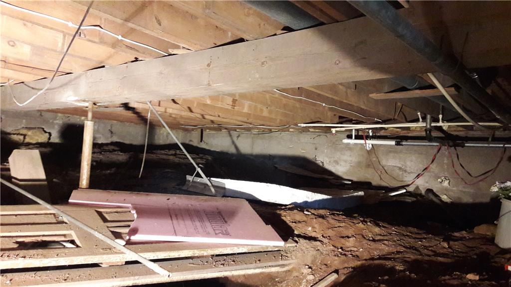 Under insulated Crawlspace