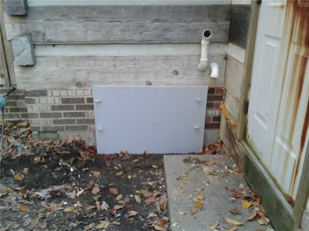 Crawl Space door is sealed