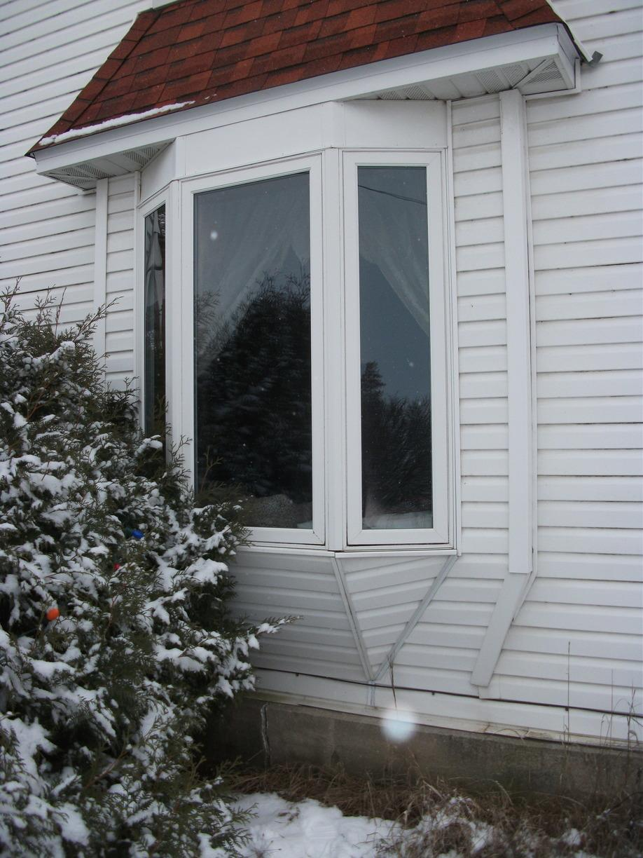 Exterior Before Bay Window Replacement