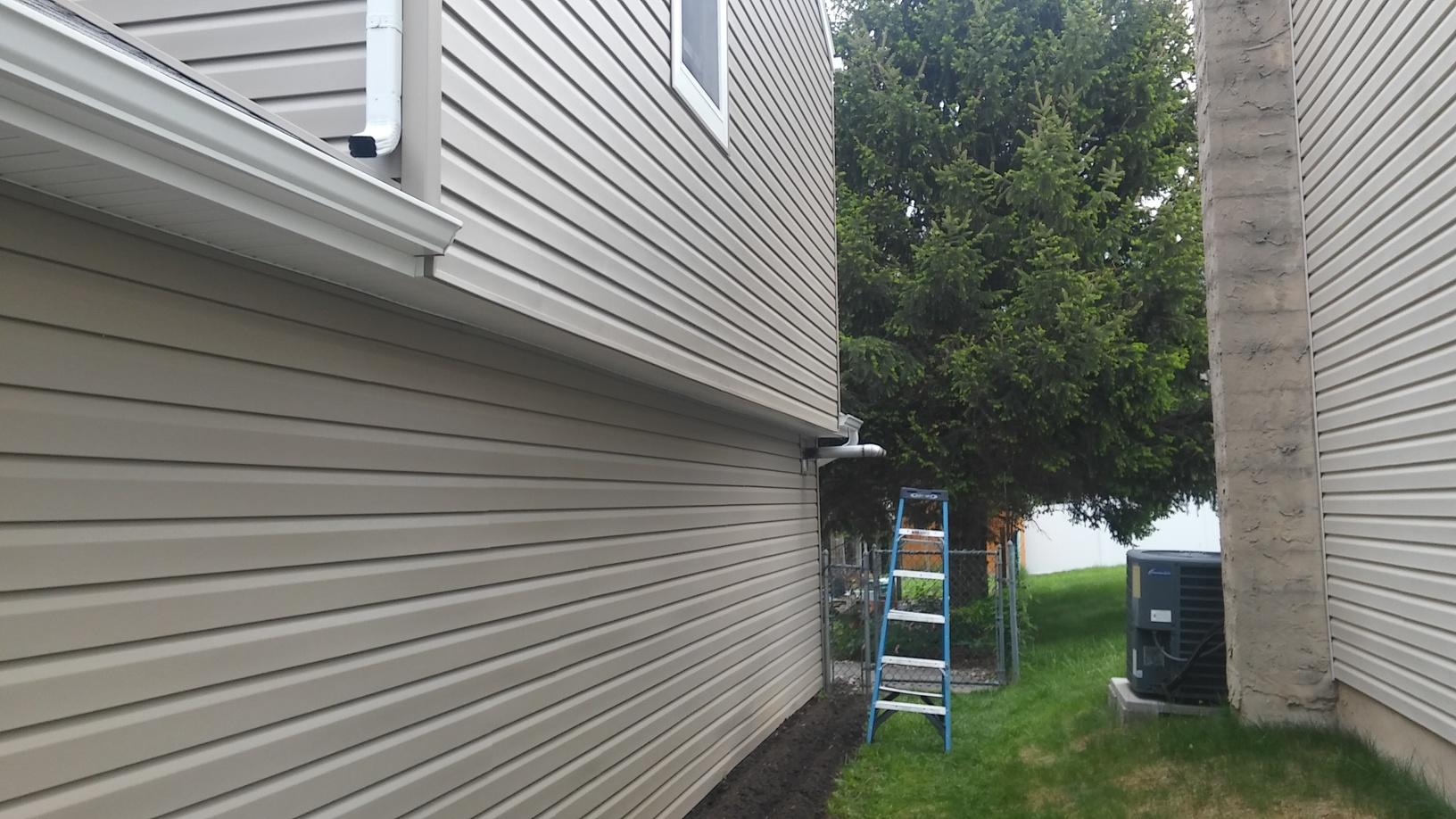 Colonial Ivory GlobalTech Insulated Vinyl Siding Installation in PA