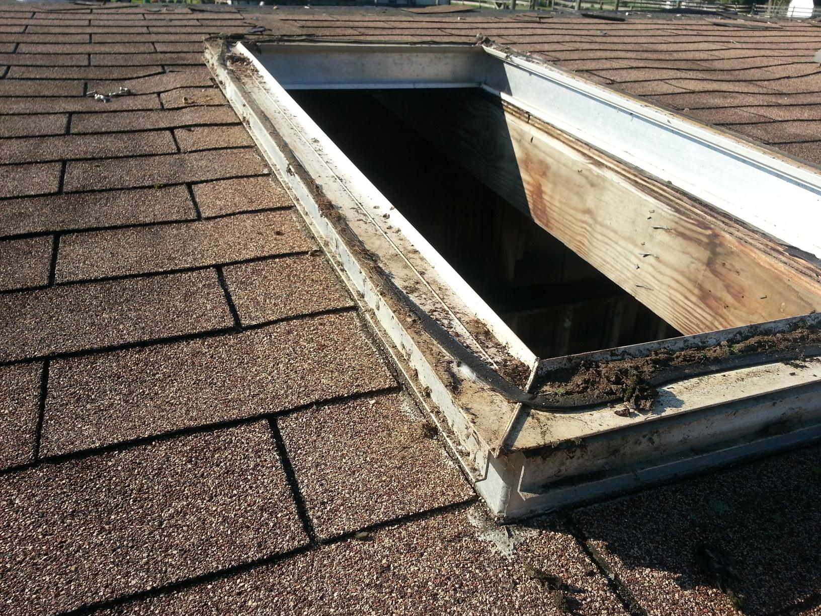 Asphalt Shingle Roof that Needs Replacement