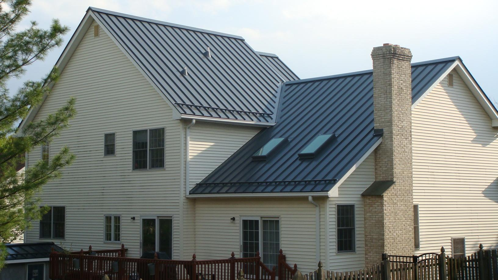 Custom Grey Standing Seam Metal Roof With Snow Guards
