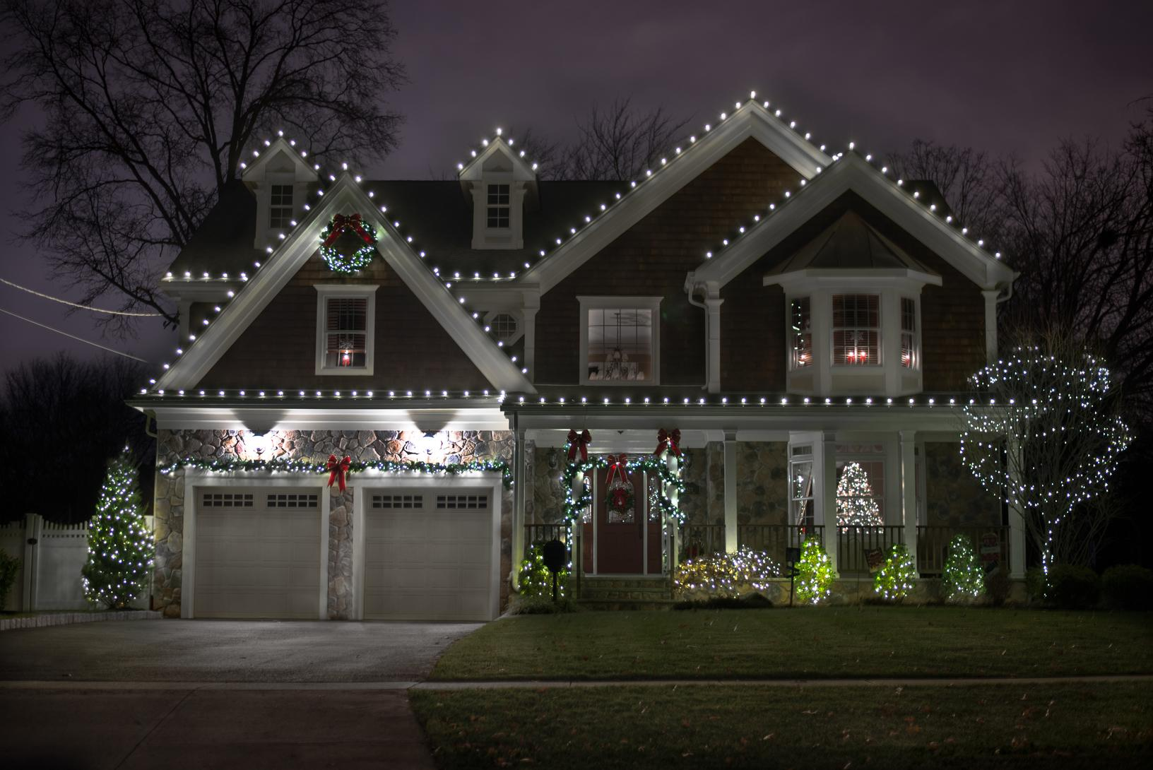 Simple and Classic Holiday Lights Display in Howell, NJ