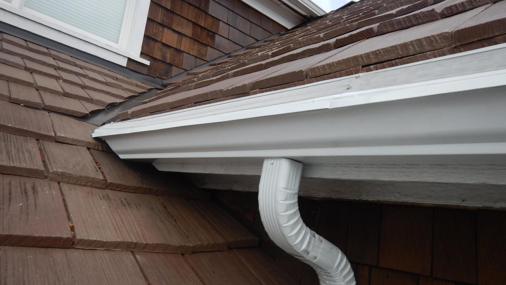 Seamless gutters with MasterShield