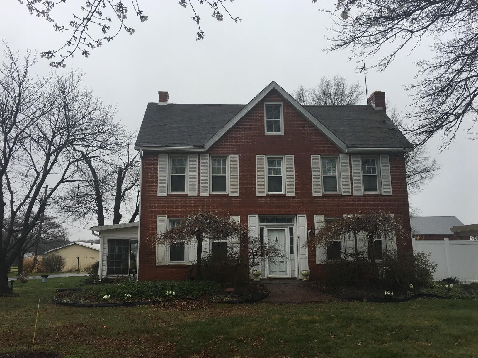 Replacing Storm-Damaged Shingles of Historic Home in DE