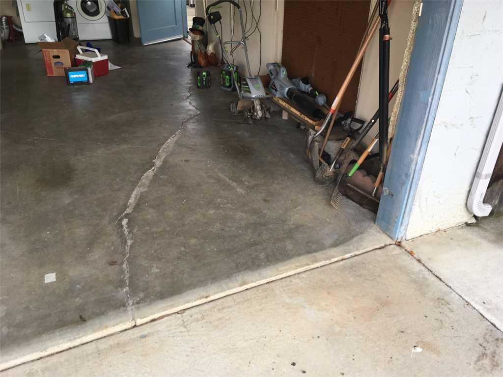 Examples of Driveway and Garage needing Polylevel Lift in Merced, CA