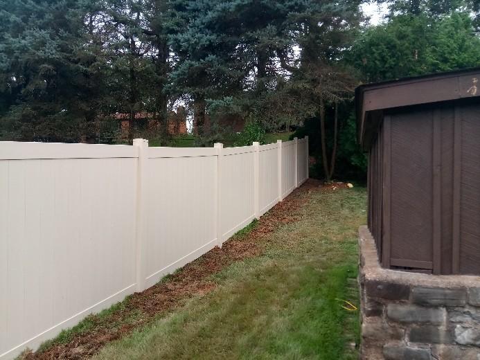 Acadia Vinyl Fence Installation in Glenshaw, PA