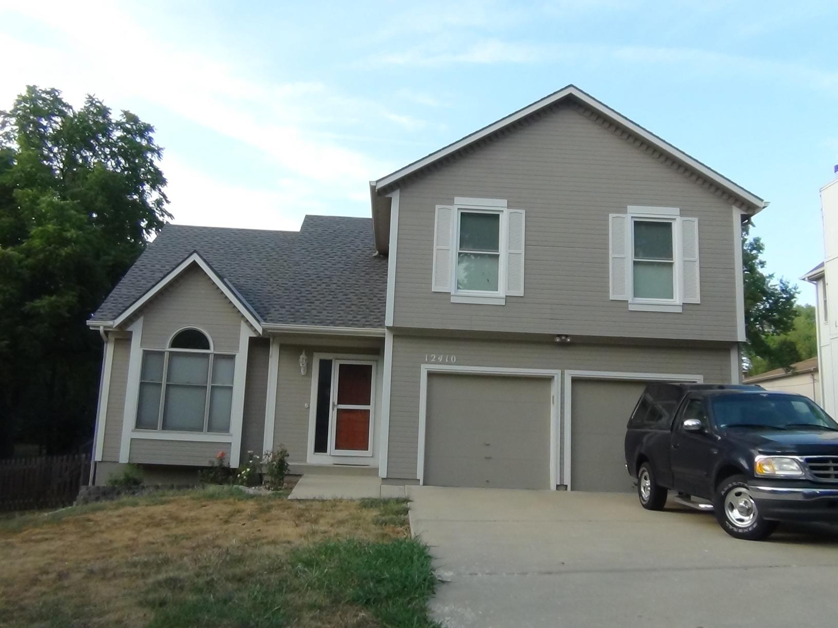 Install James Hardie Siding and new windows in Overland Park, KS