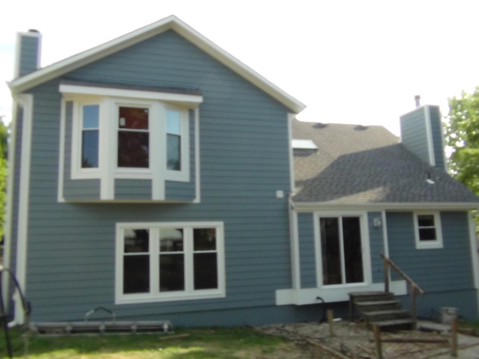 Replacement James Hardie Siding and new windows in Overland Park, KS