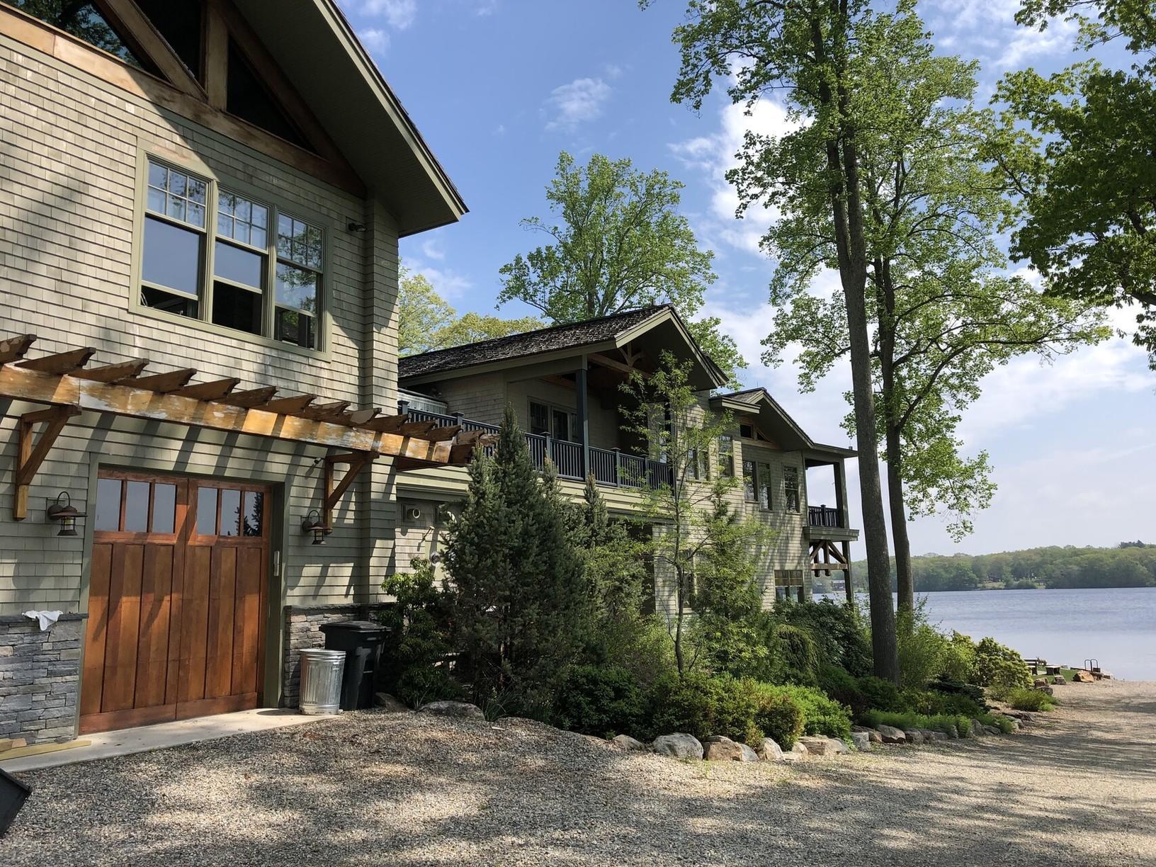 Lakefront Estate Camp Wakenah