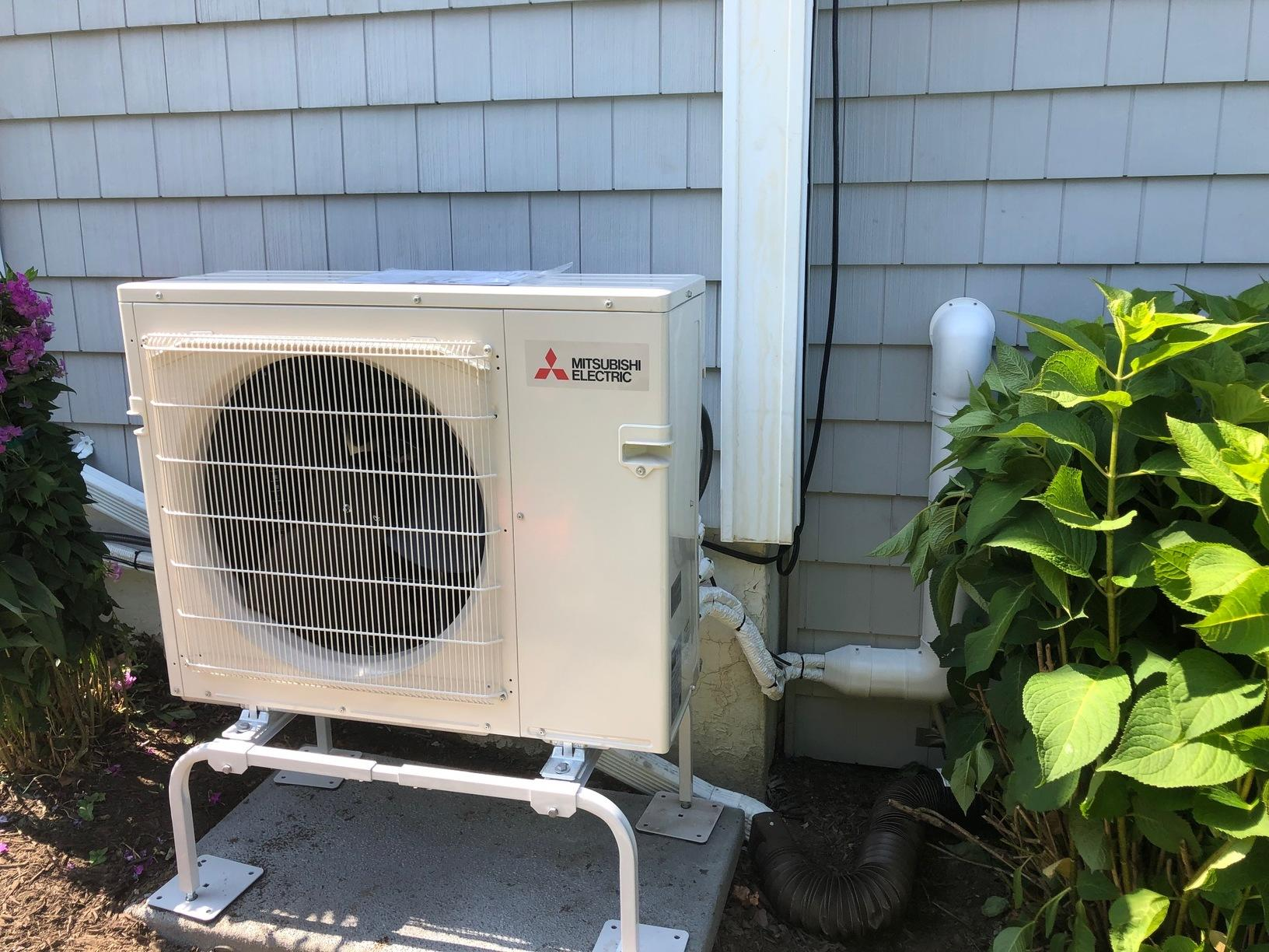 Another Awesome Mitsubishi ductless installation for our customer in New London!!
