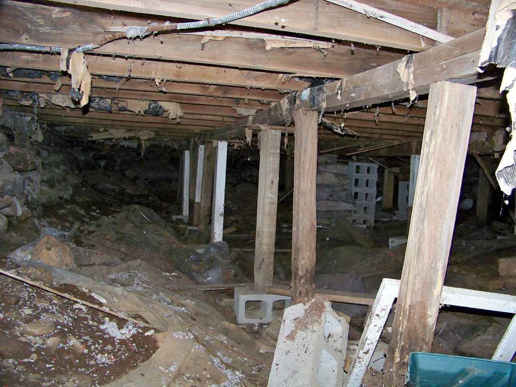 Unstable Crawl Space in Gilman, CT