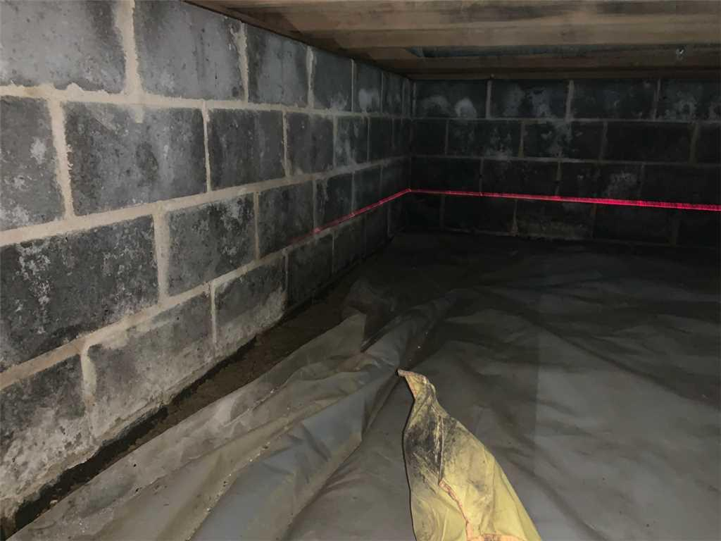 Another Before Picture of the Crawl Space