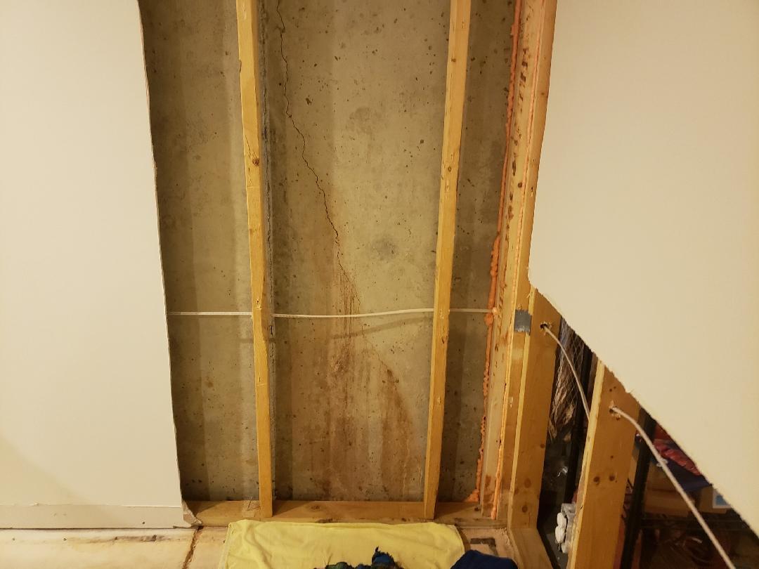 Extensive Wall Crack in Warrenton, VA