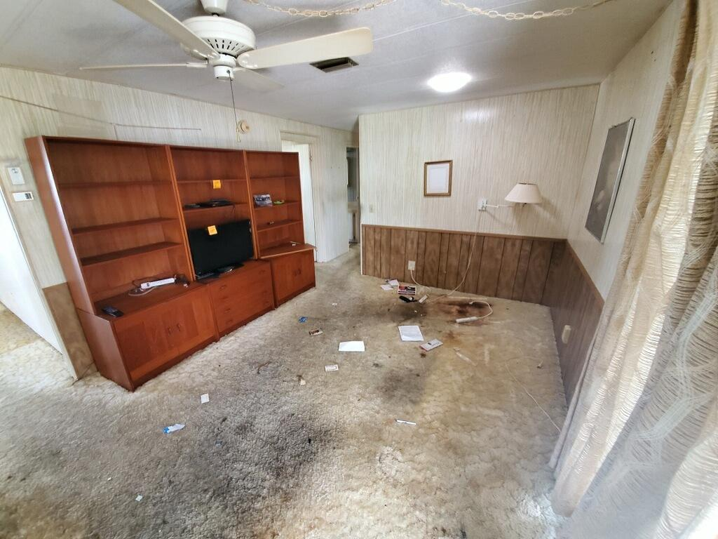 Mobile home clean out