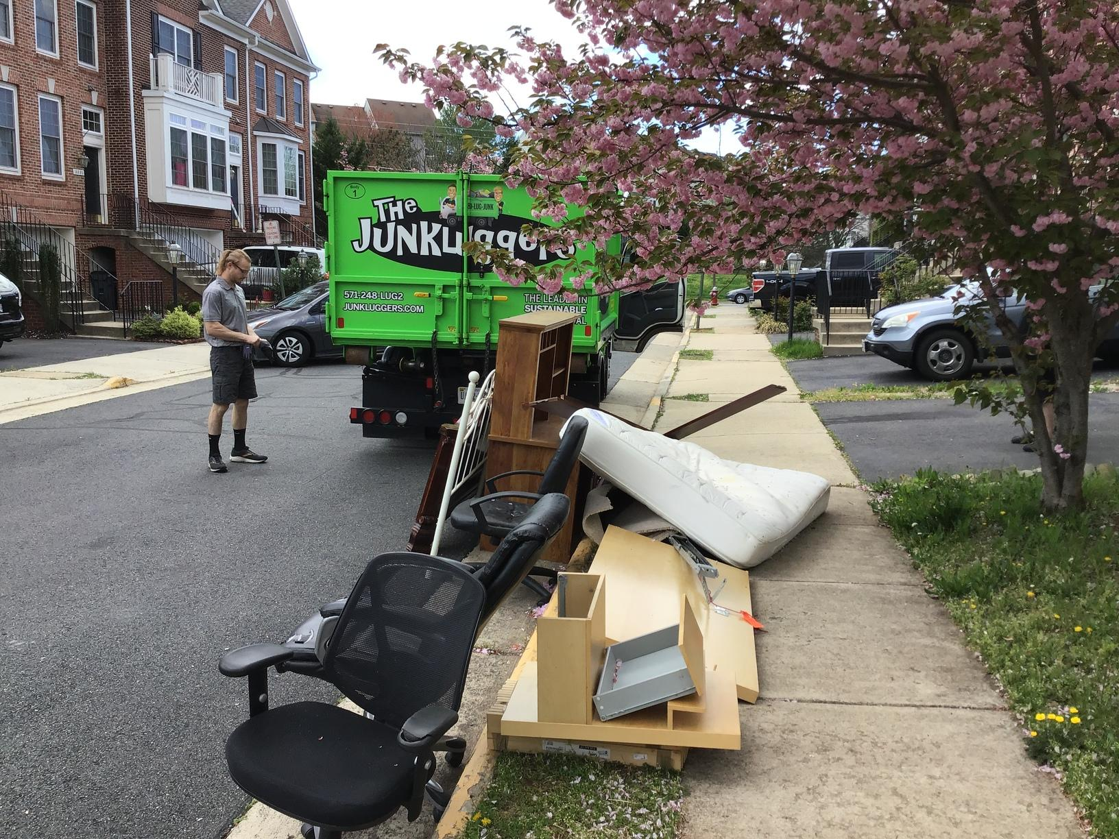 Curbside Pick-up in Centreville, VA