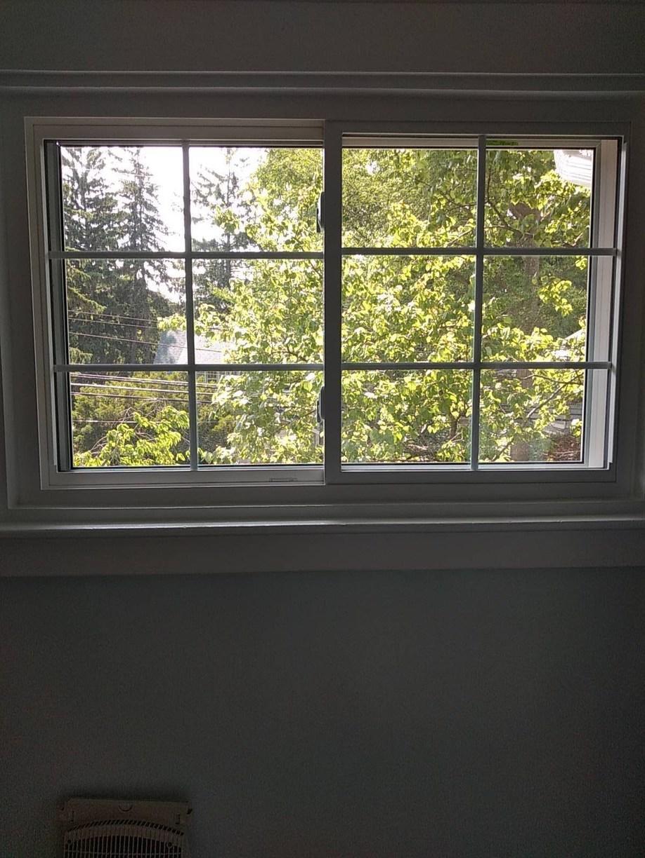 Vinyl Slider Window