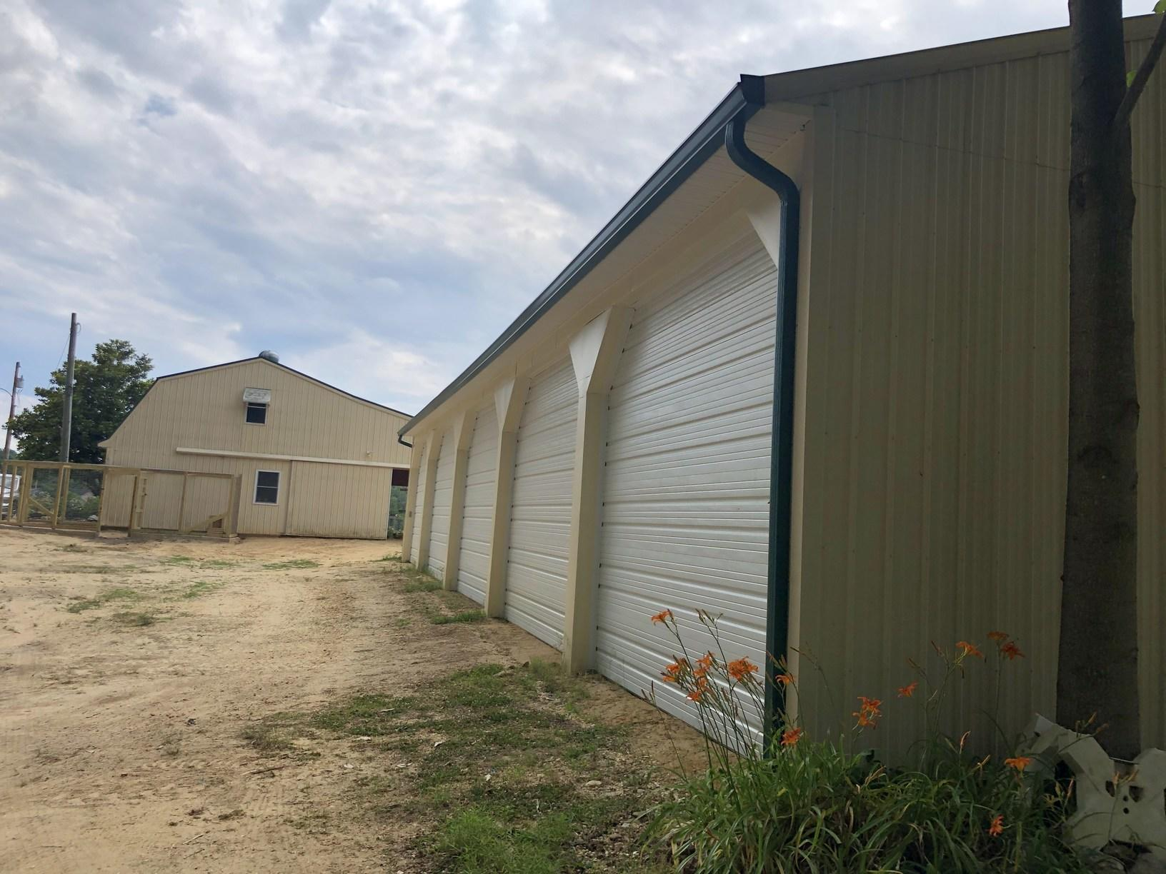 Large Garage 3