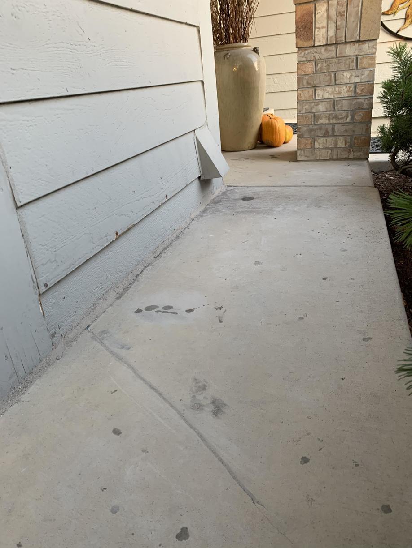 Fixed walkway