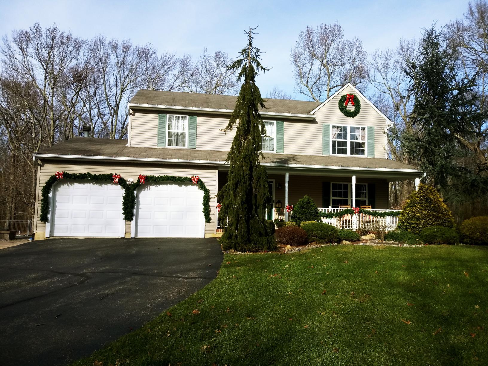 Professional Christmas Decorating in New Egypt, NJ