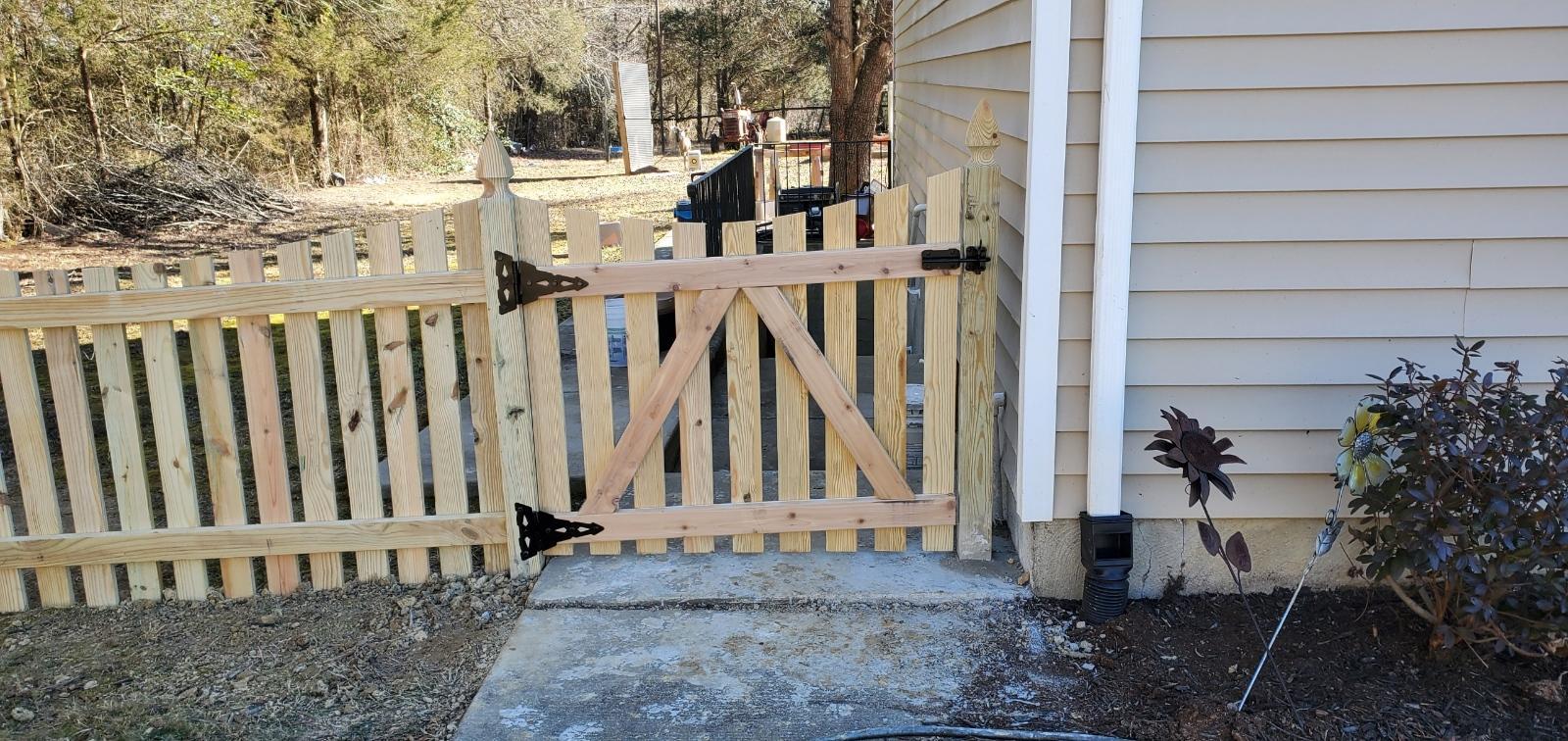 Gate!