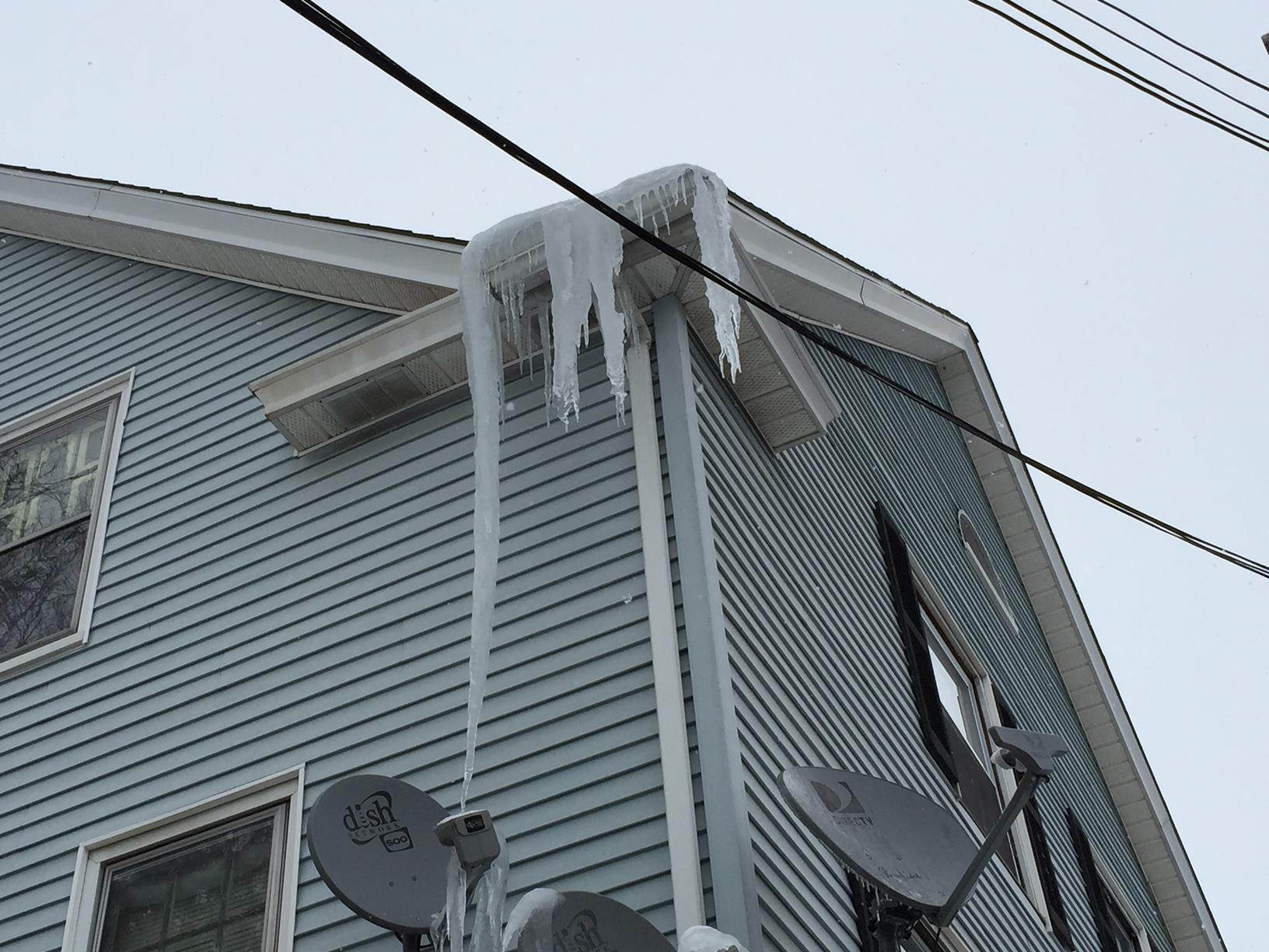 Big icicles cause severe damage