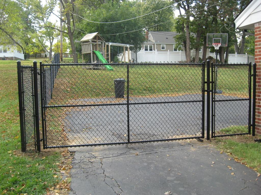 Fencing Chain Link Fencing In Illinois Chain Link Gate